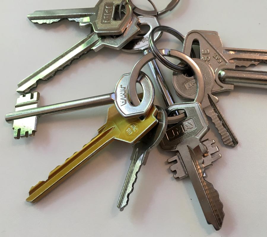 Razones por las que se deben duplicar las llaves de tu hogar
