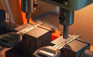 Breve historia de la máquina duplicadora de llaves