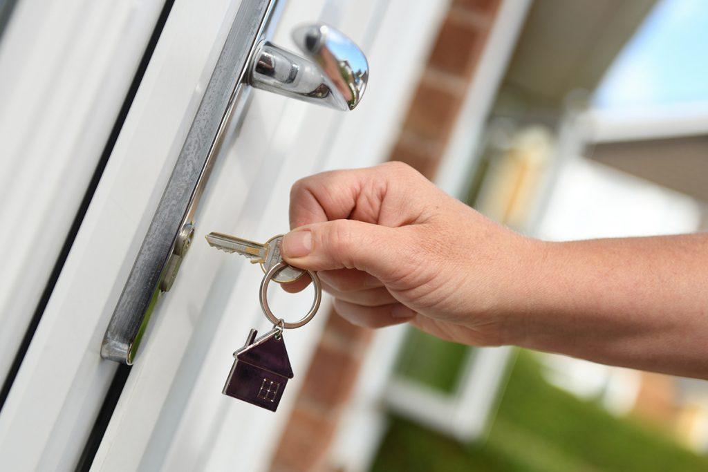 ¿Cómo actuar cuando tus llaves se traben en bombines y cerraduras?