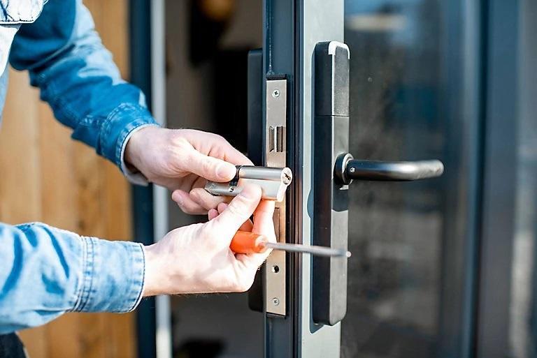 Tipos de cerraduras recomendadas para puertas metálicas